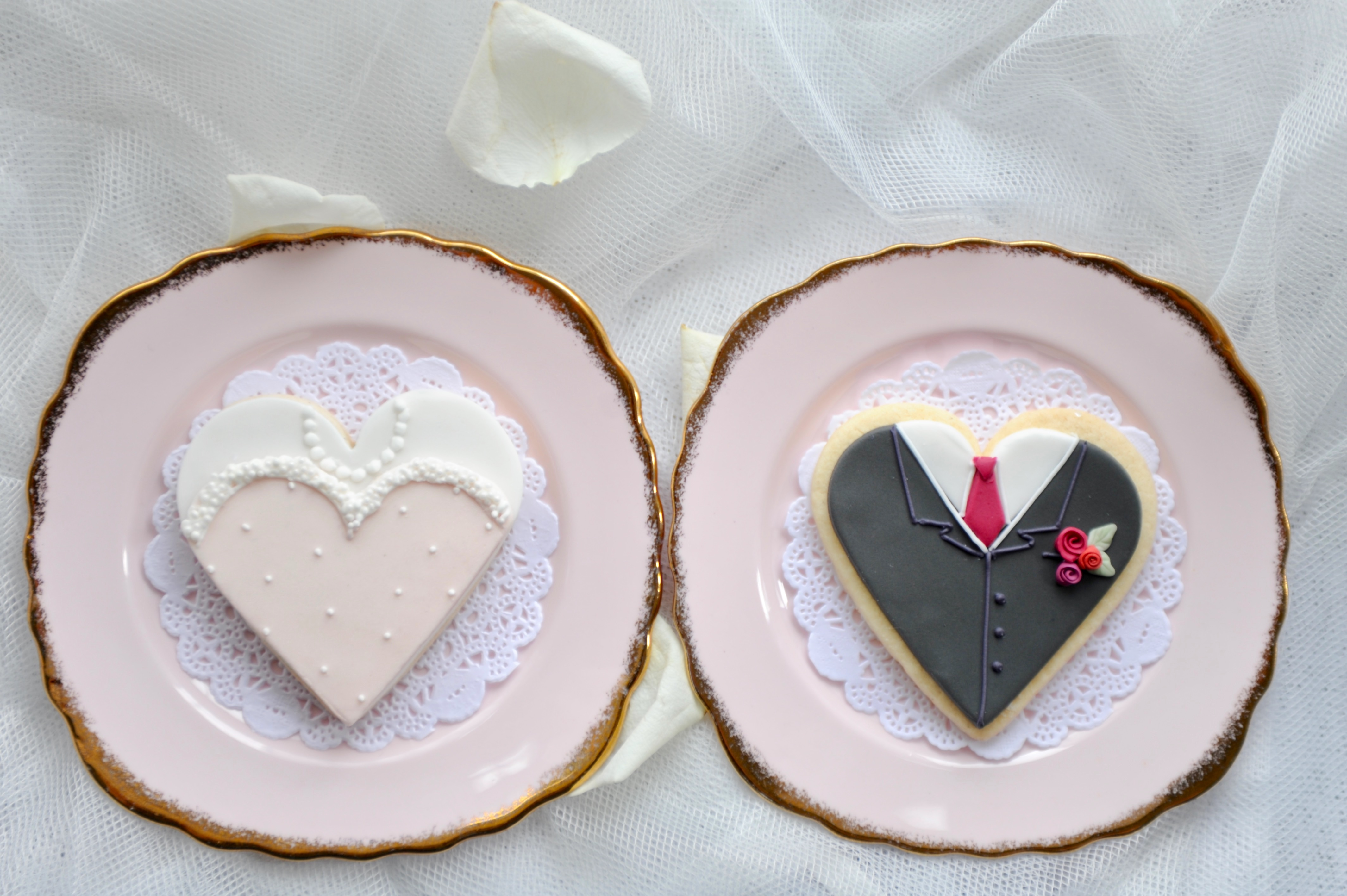 Bride & groom biscuits