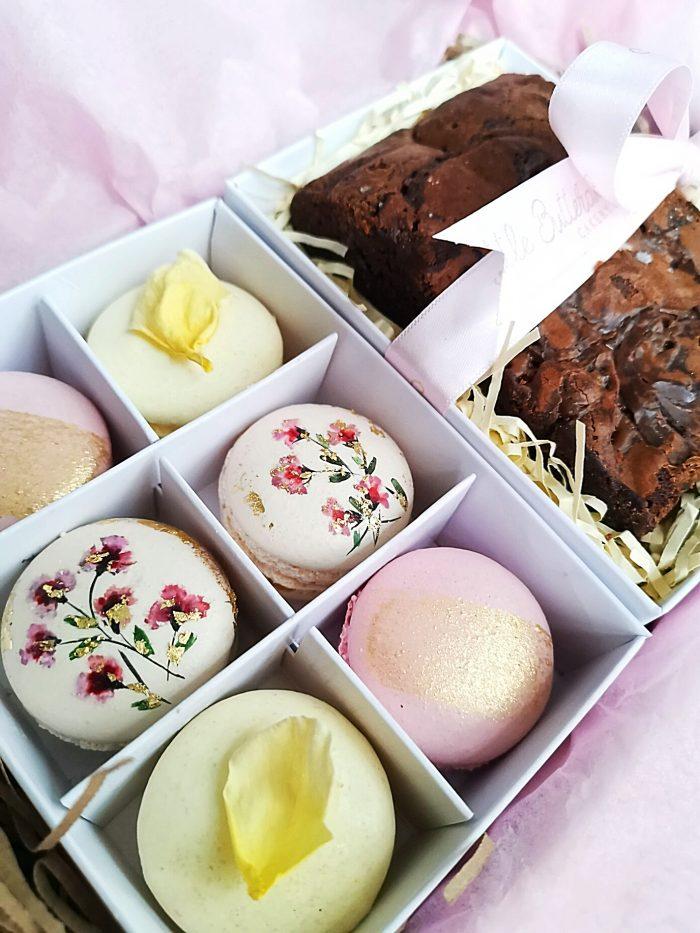 Mixed mini macaron box (small)