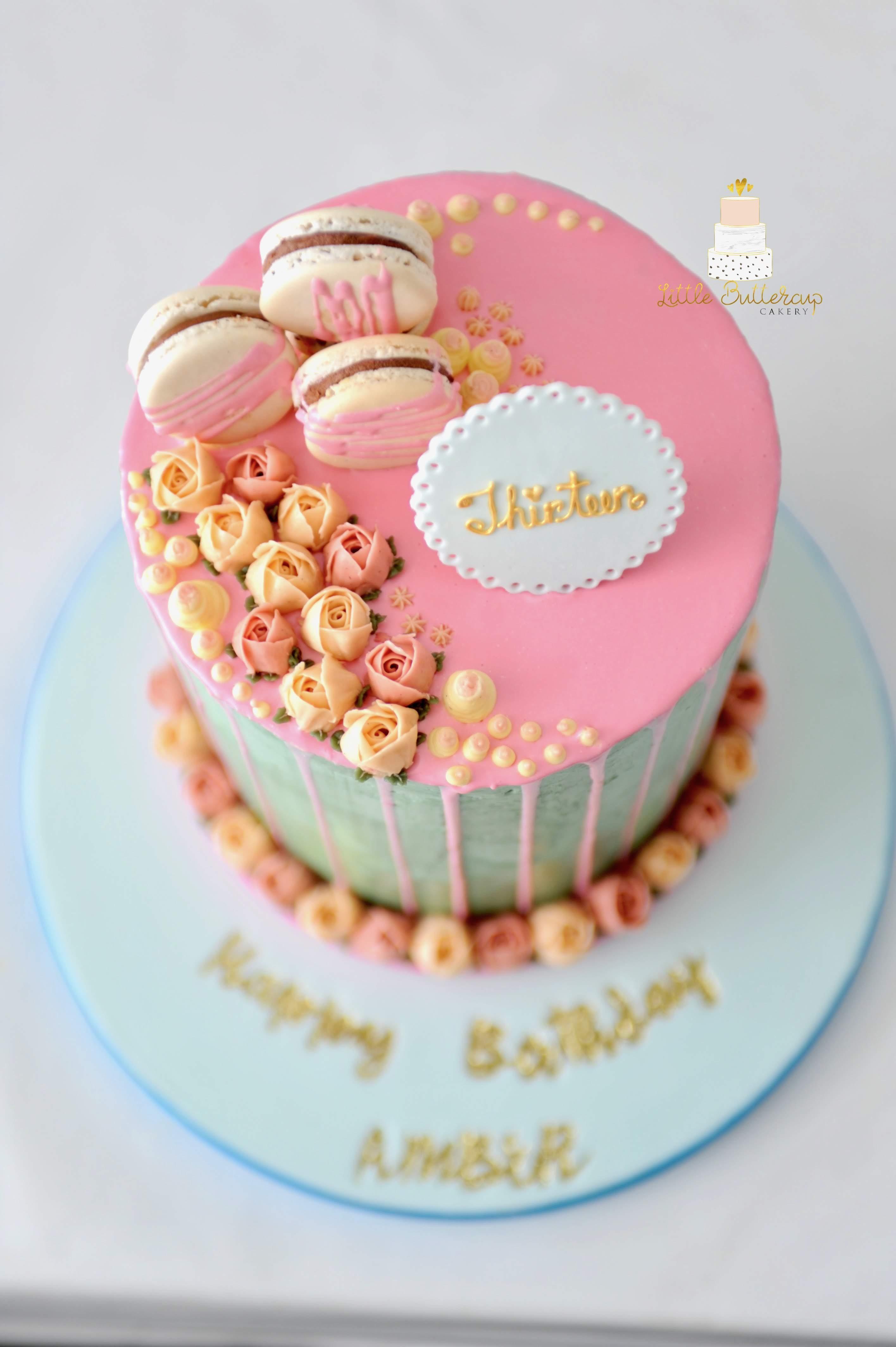 Piped buttercream cake