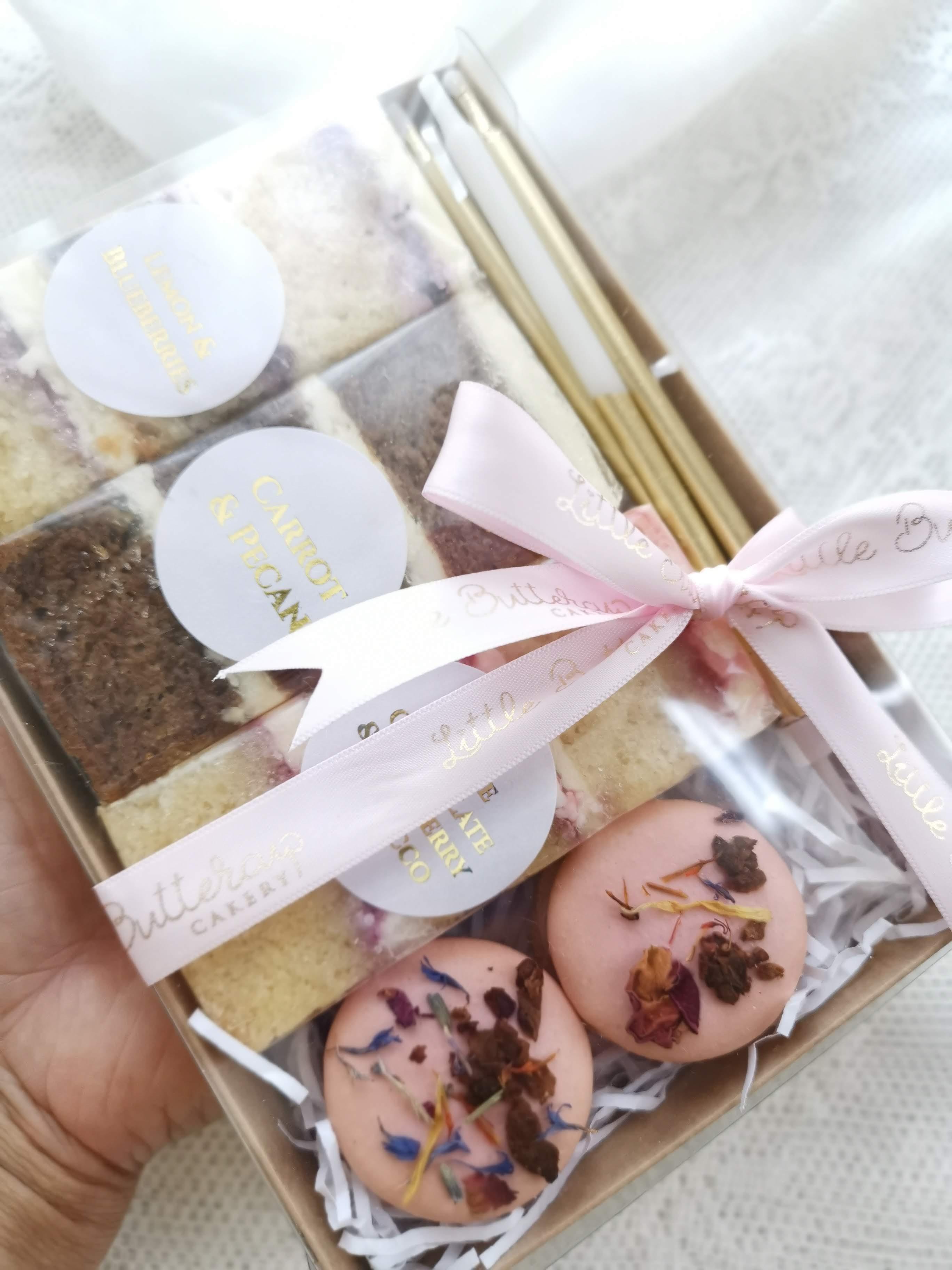 Adult picnic gift box